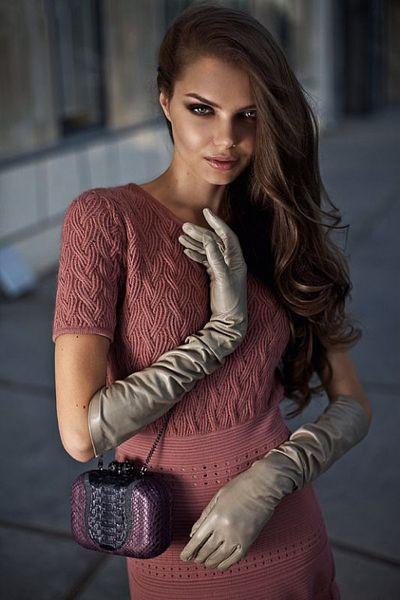 По профессии самая красивая дама России дизайнер.