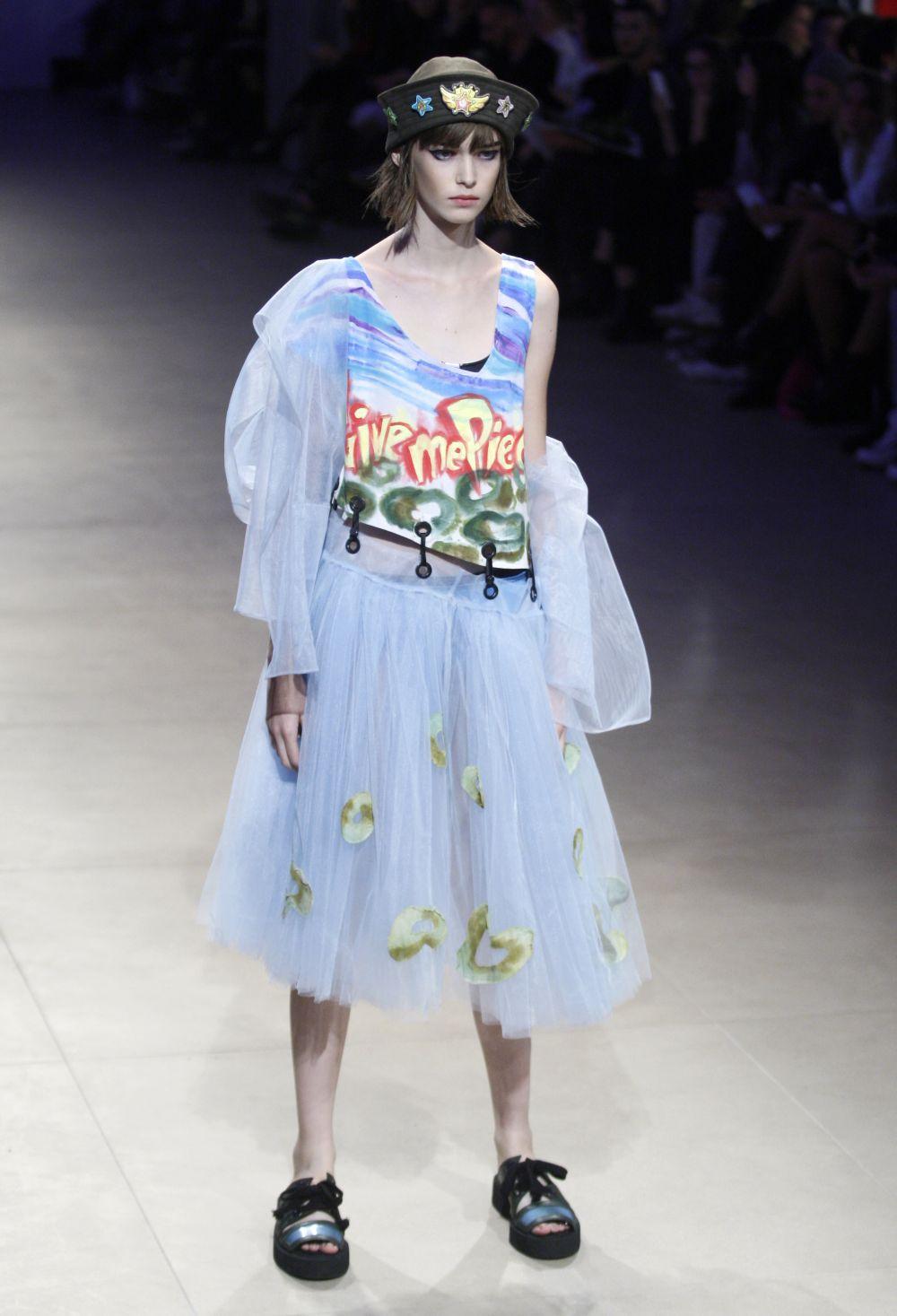 Вот еще один образец на модели от Софии Русинович. Отличные цвета!