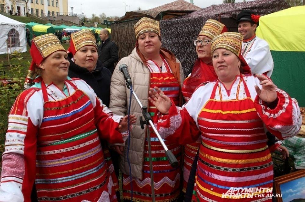 Гости из разных уголков России и зарубежья, удивлялись размаху и красоте, широкому выбору продукции