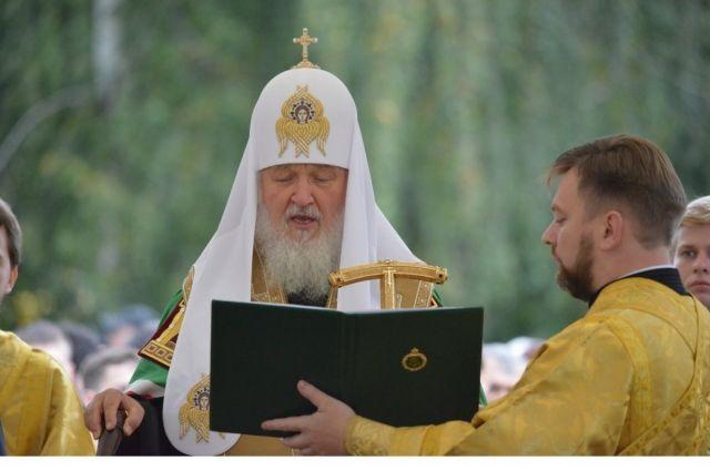 Что патриарх Кирилл подарил Елизавете II?