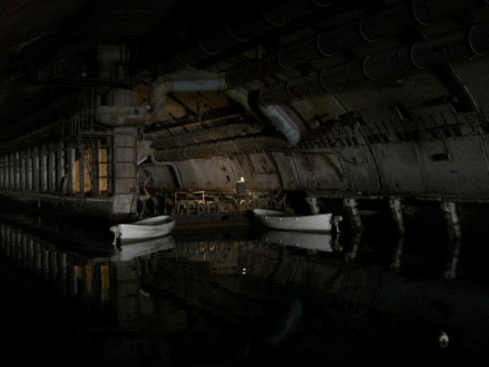 Последняя подземная находка находится в Крыму, в Балаклаве. Это военно-морской музейный комплекс. Очевидно, к нему нужно добираться по воде