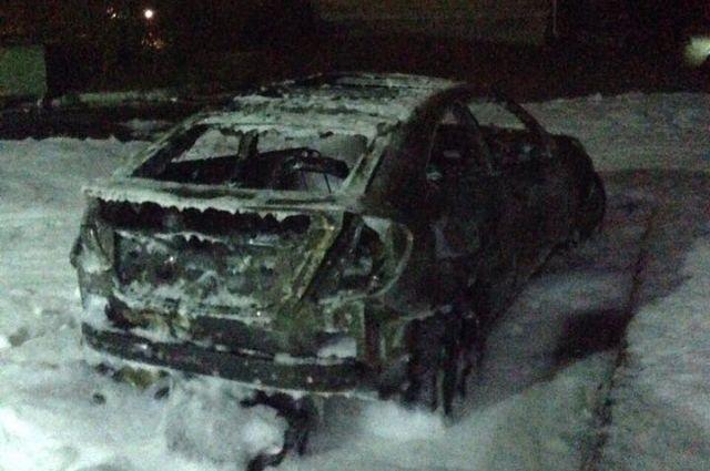 Жене Терещенко ночью сожгли авто