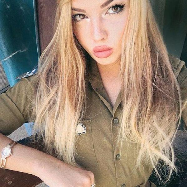 Наверное, враги израильской армии будут просто теряться при столкновениях с такими боевыми красотками. Стрелять в них или нет, кто знает