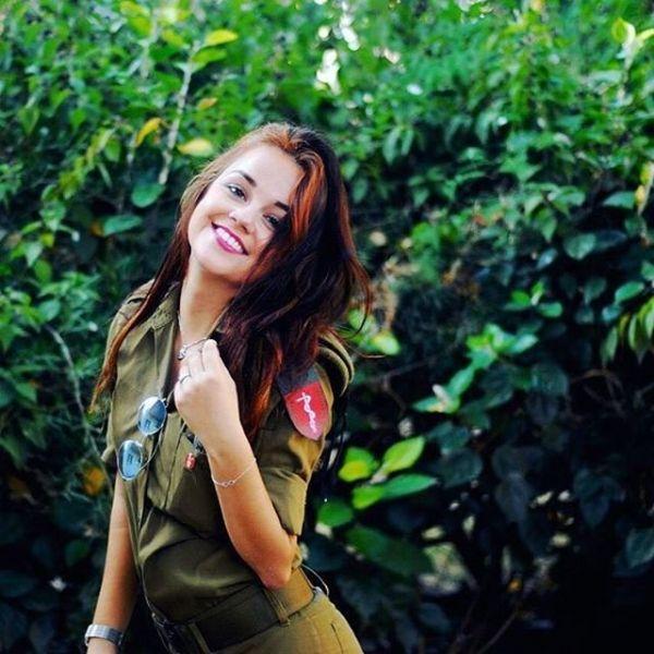 Может в израильской армии проводят кастинг на самых красивых военнослужащих?