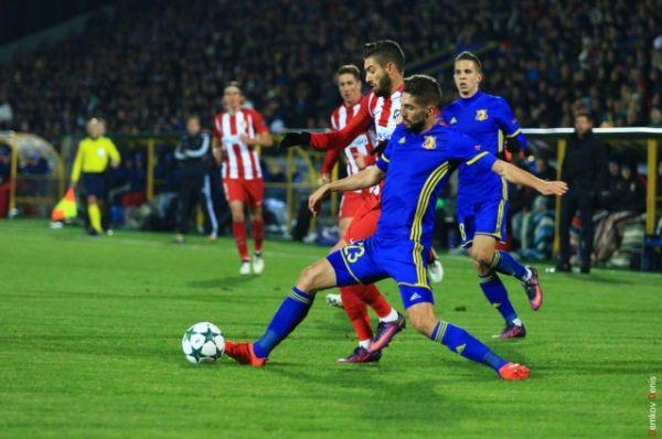 Хозяева практически весь матч защищались, а единственный гол в свои ворота, к огорчению болельщиков, получили во втором тайме на 62-й минуте.