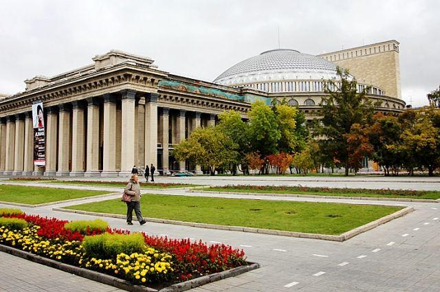 В сквере у Оперного театра пройдет выставка, посвященная студотрядам