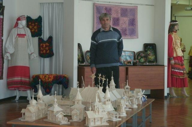 Алтайский мастер воссоздает исчезнувшие храмы