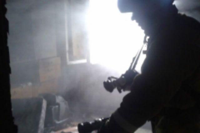 ВНовокуйбышевске изгорящего многоквартирного дома эвакуировали 12 человек
