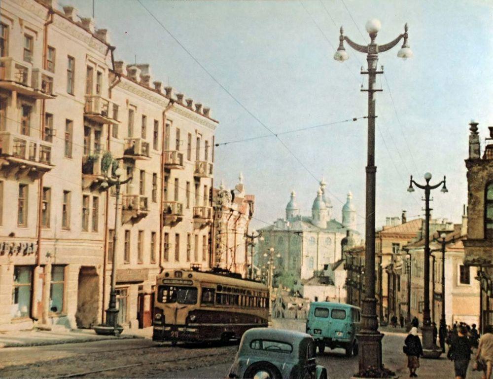 Трамваи по улице Большой Советкой ходили вплоть до 2001 года.