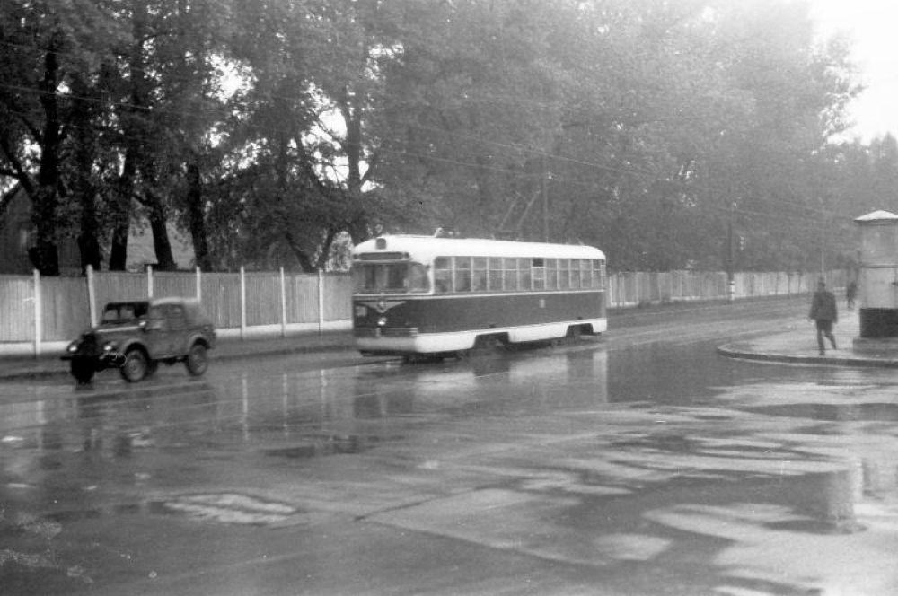 На протяжении некоторого времени в Смоленске было введено бескондукторное обслуживание, как и в других городах СССР.