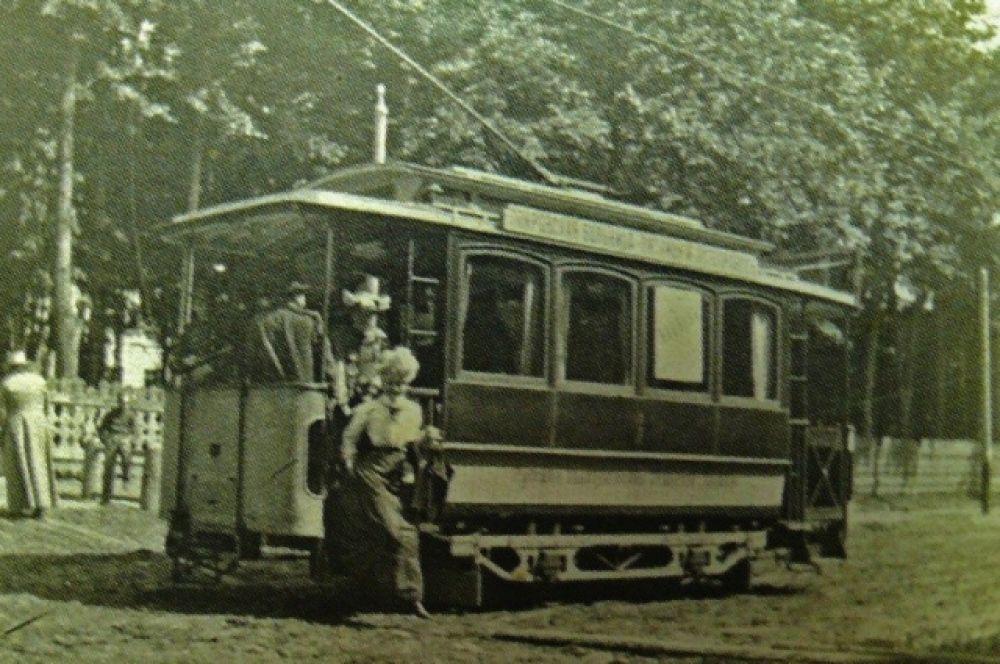 Открытие трамвайного движения для Смоленска было большим знаменательным событием. Публику в этот день катали по городу бесплатно.