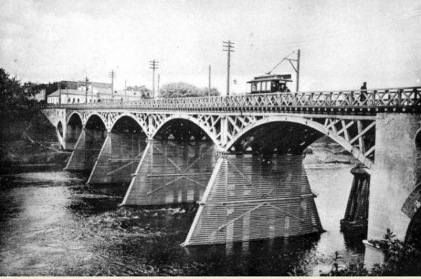 Первое трамвайное депо в Смоленске с момента открытия находилось на левом берегу Днепра.
