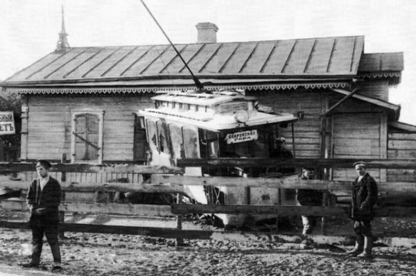 Одна из первых аварий на трамвайной линии в России произошла в Смоленске в августе 1910 года.