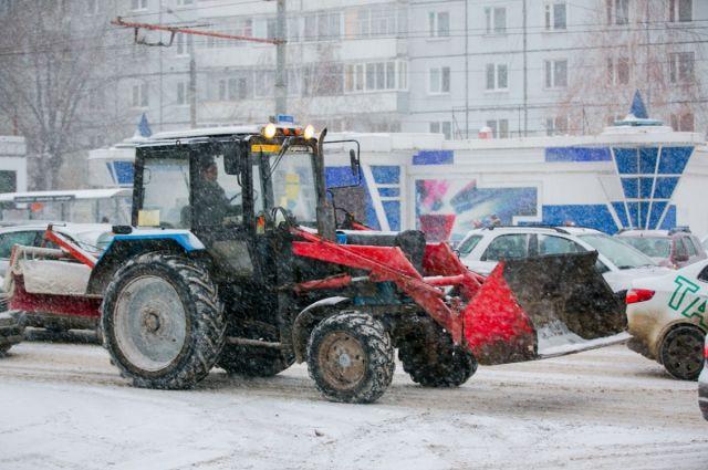 Зимой из Омска вывозят 600 тыс. кубометров снега.
