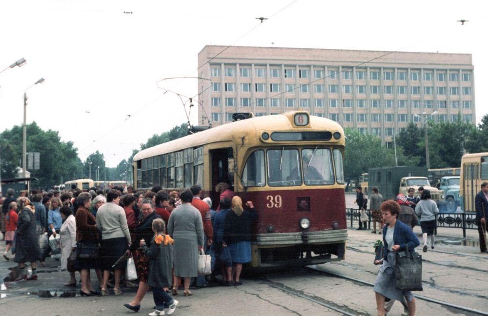 Трамвайный вагон №39 был списан в 1994 году после десяти лет работы на благо жителей Смоленска.