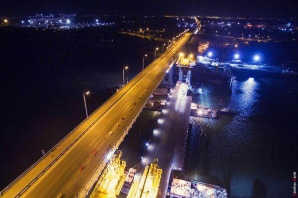 Ввести в эксплуатацию вторую часть моста предполагается осенью 2017 года.