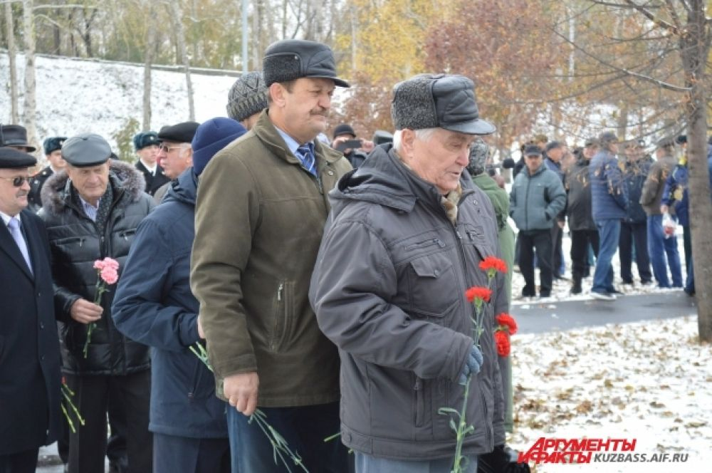 Неоднократно оно также признавалось лучшим в Сибирском военном округе и среди училищ связи сухопутных войск Советской Армии.