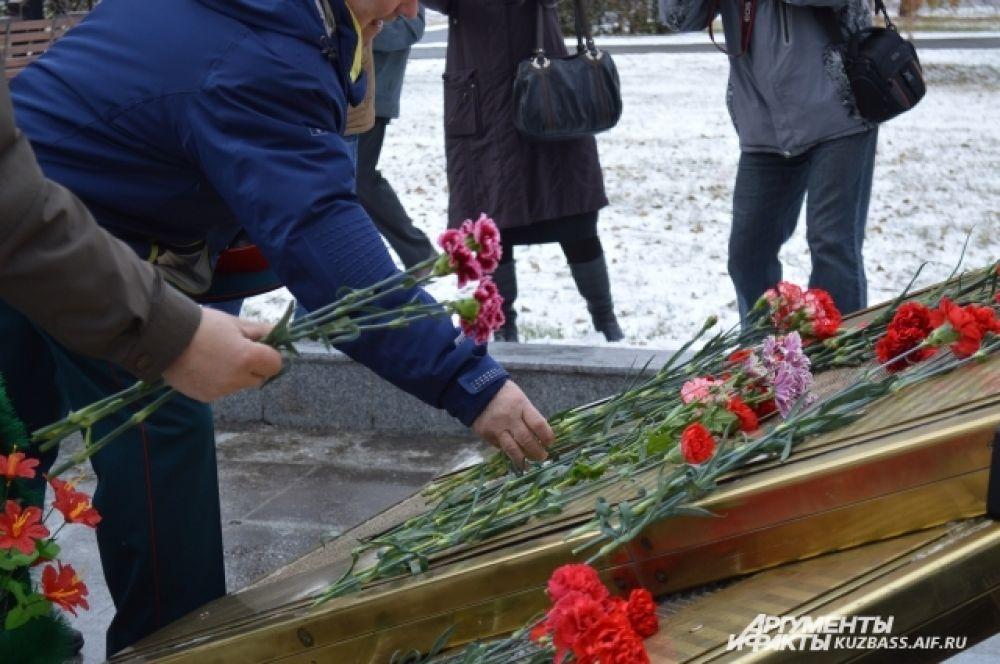 Это учебное заведение выпустило 18 будущих Героев Советского союза, генералов, тысячи выпускников, награждённых орденами и медалями РФ и Советского союза.