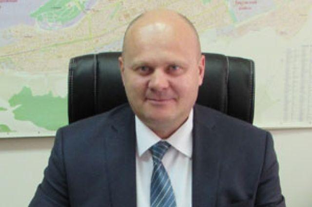 Руководил Свердловским районам всего три месяца.