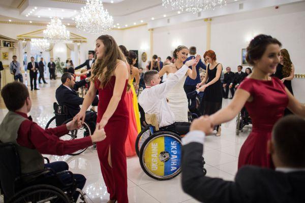 Кроме полонеза, гости также танцевали венский вальс, мазурку, польку и падеспани