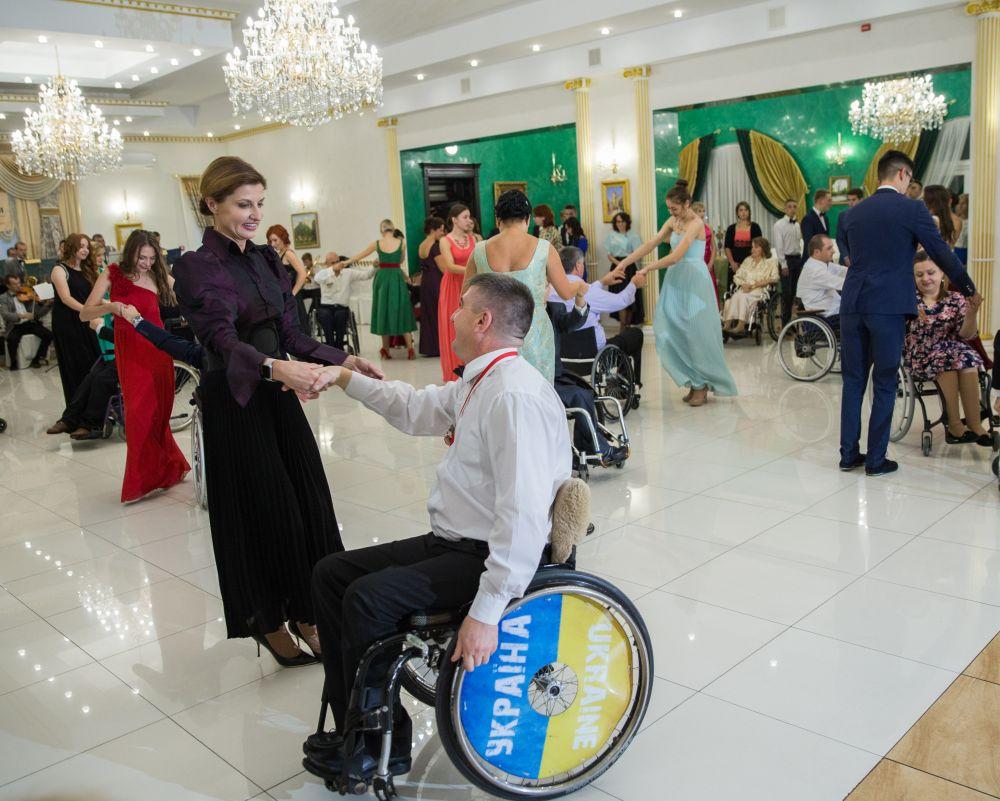 Сложно представить, что инвалиды могут танцевать, но для людей с желанием все возможно