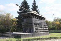 Тяжёлые танки ИС-3, которые делали в Танкограде, теперь проходят по Челябинску в День Победы.