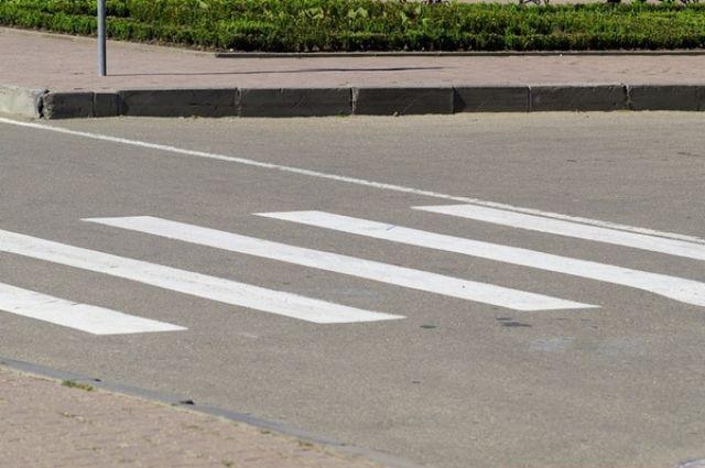 Вцентре Белгорода иностранная машина сбила 15-летнюю девушку напешеходном переходе