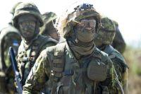 Эстонские военные во время учений.