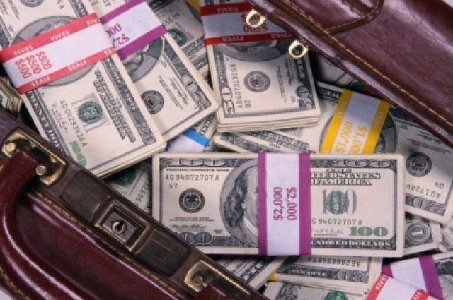 Итальянка пробовала тайно вывезти из Украинского государства неменее $1 млн