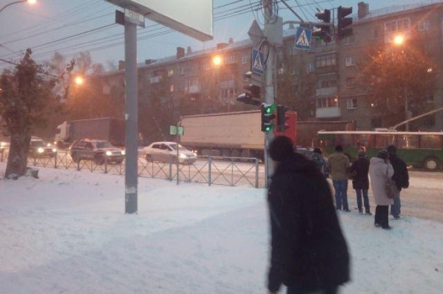 Фуры на Нимеровича-Данченко блокировали движение автотранспорта