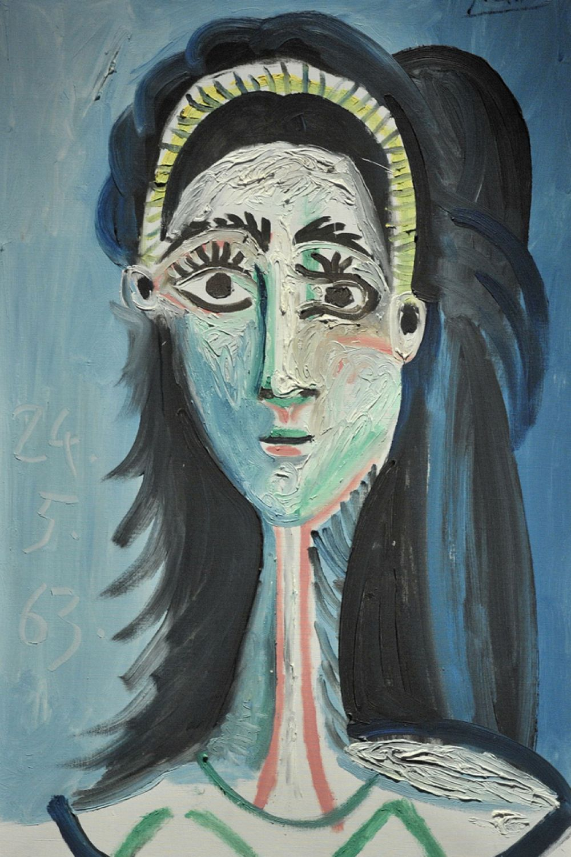 В 1953 году Франсуаза Жило и Пикассо расходятся. Кризис вновь отражается на творчестве художника. Год спустя Пикассо встречается с Жаклин Рок, которая в 1958 году станет его женой и вдохновит на серию портретов. «Голова женщины (Жаклин)», 1963 год.