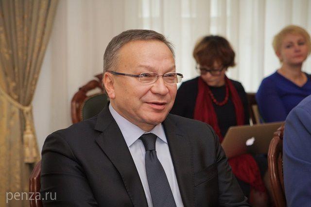 Визит Угольникова в Пензенскую область начался со встречи с губернатором.