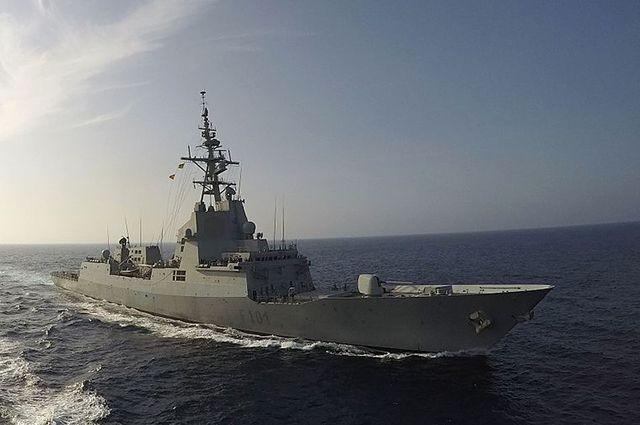 Эскадренный миноносец ВМС США «Карни» вошел вЧерное море