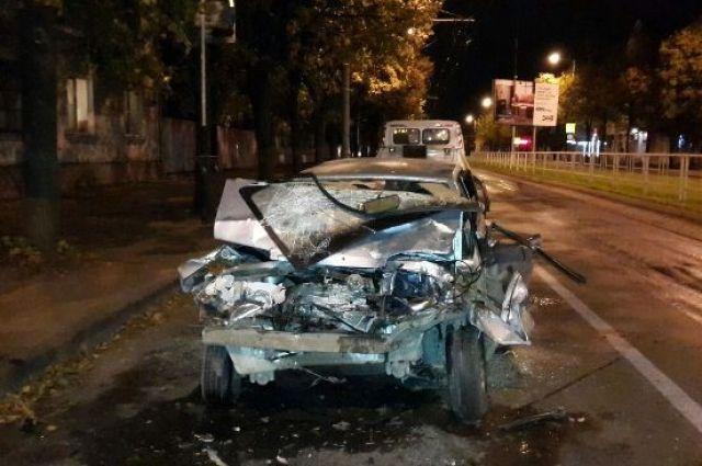 ВКраснодаре при столкновении «девятки» строллейбусом пострадали трое