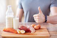 Набрать вес помогут тренировки и правильное питание.