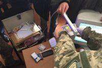 Правонарушитель требовал 300 грн с одной машины, а за смену он брал взятки с 20-50 автомобилей