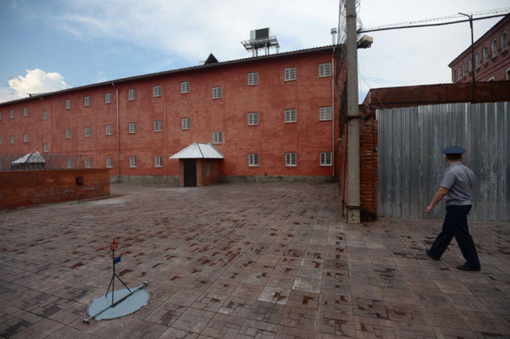 Владимирский централ — легендарная тюрьма, воспетая Михаилом Кругом. Владимирская тюрьма входила в систему «особых лагерей и тюрем», организованную для содержания осужденных шпионов, диверсантов, террористов и участников антисоветских организаций.