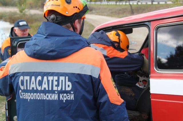 Неподалеку от Ставрополя «легковушка» врезалась вКамАЗ