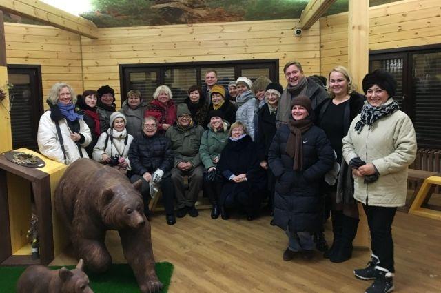 Московские гости стойко перенесли настоящий сибирский холод и ветер.