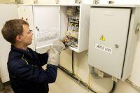 Энергетики объяснили калининградцам, как правильно менять электросчетчики.