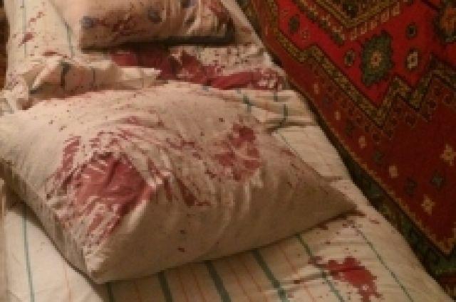 В момент совершения преступления в квартире находились двое детей.