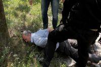 На 8 лет со штрафом в 30 млн рублей осуждены чиновники из Янтарного. На фото - момент задержания.