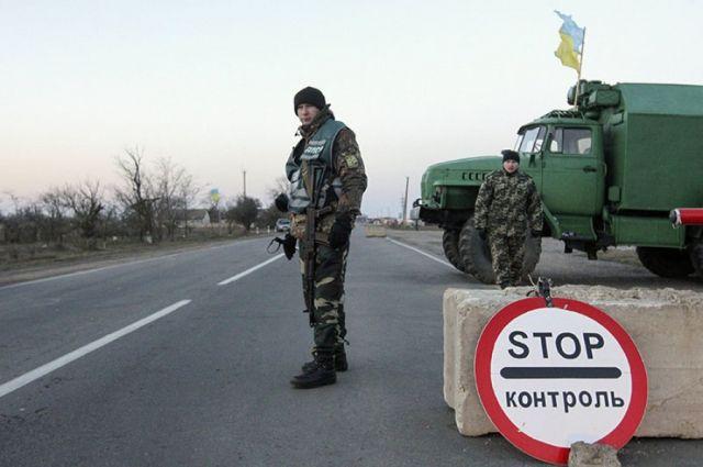 КПВВ «Майорск» закрыли из-за массированного обстрела