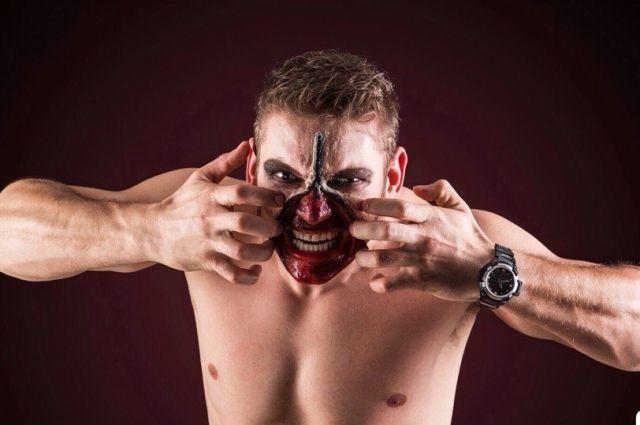 Традиционно излюбленными образами на Хэллоуин остаются зомби, вампиры и прочая нечисть
