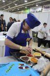 Второй этап «Выпечка пирога с фруктово-ягодной начинкой» предполагал изготовление изделия весом до 2 кг за 120 минут командой из трех человек.