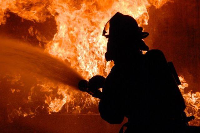 Напожаре в личном доме вБогатом погибли мужчина иженщина