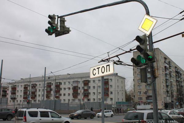 Перекресток Декабристов-Ленская-Ямашева.