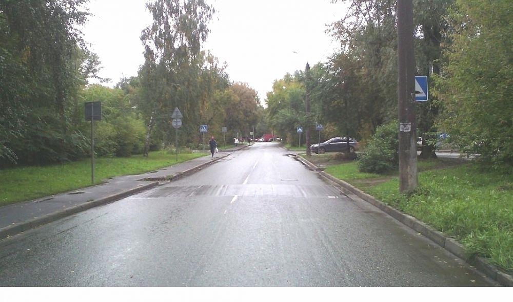 На улице Короленко возле школы №34 не все знаки видно.