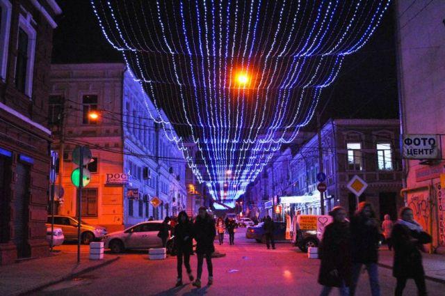 ВОктябрьском районе приступили корганизации новогоднего оформления