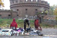 20 продавцов у башни Врангеля, получили штрафы за незаконную торговлю.